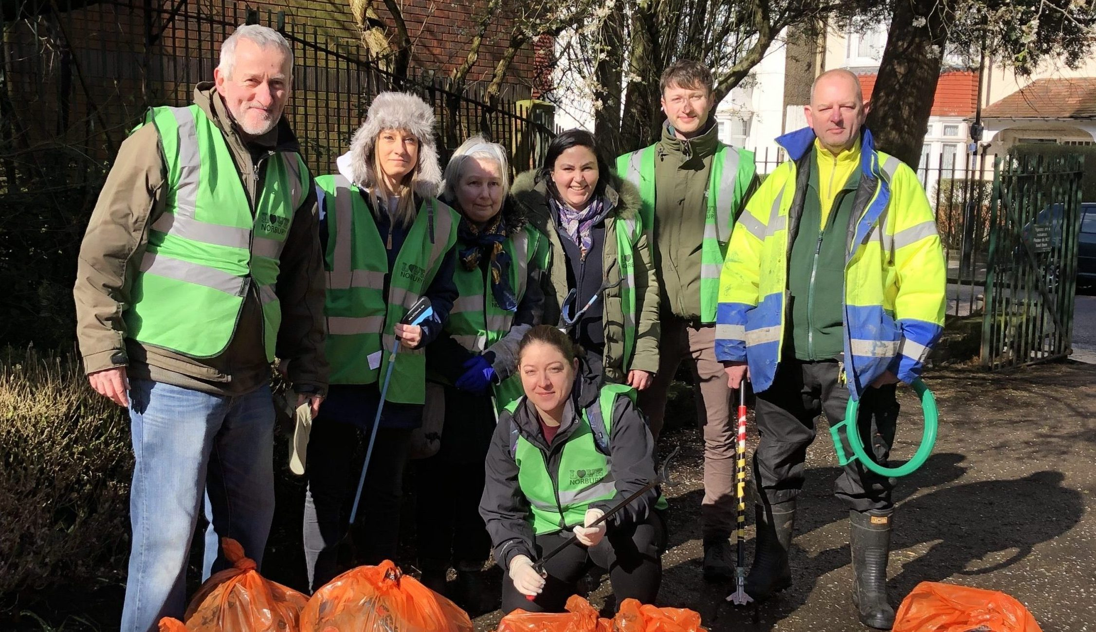Friends of Norbury Hall Park clean-up day February 2020